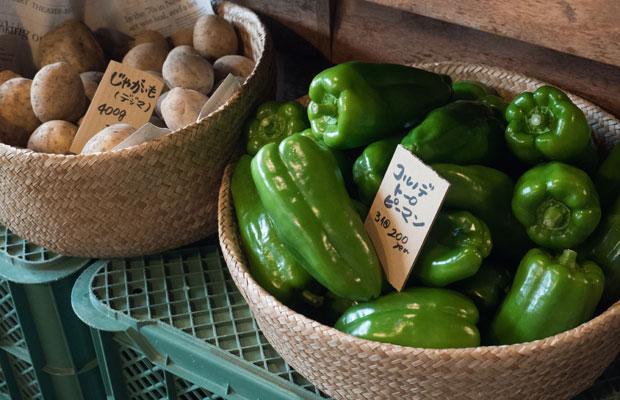 金・土曜のカフェ営業日はいつも旬の野菜を販売してます。