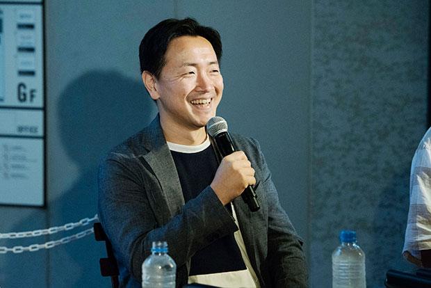 富田さんは7年前に東京から淡路島に移住。企画の仕事をしています。ちなみに東京にいたときは建築の仕事をしていたそう。