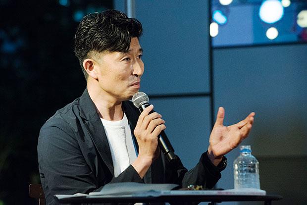 ファシリテーターは『Discover Japan』誌編集長の高橋俊宏さん。個性豊かなデュアルライフ実践者の暮らしのリアルを引き出します。