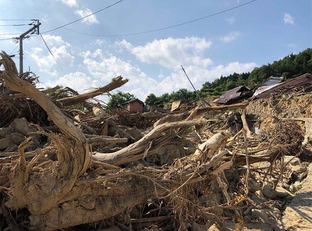 土石流が美しい田畑や家を飲み込んだ呉市安浦町