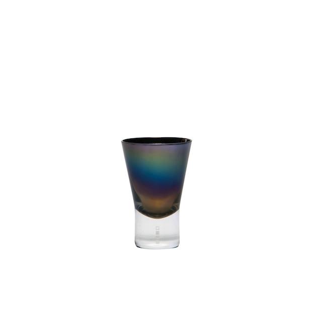 〈生涯を添い遂げるグラス ショット チタンコート 〉江戸硝子職人による手づくりのグラスの内側に、宇宙開発で用いられる最先端技術でチタンを施したグラスです。