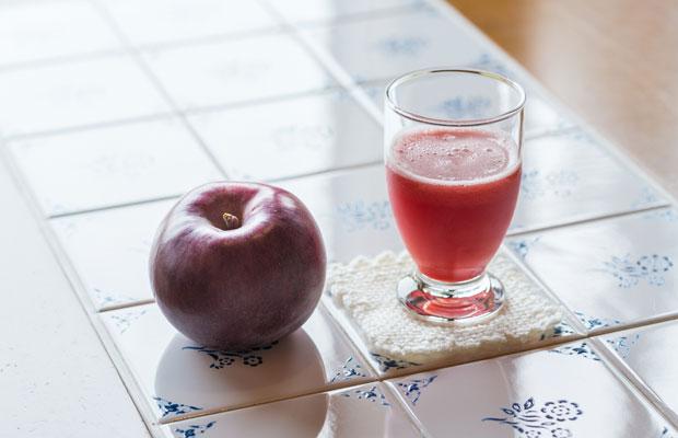 りんごジュースにすると鮮やかなピンク色に。