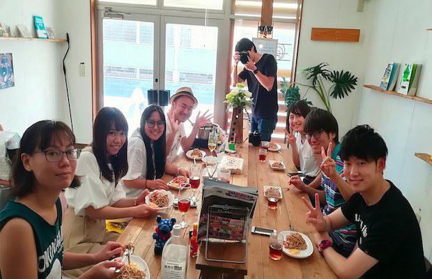 8月14日に行われた〈polca0円食堂〉の様子