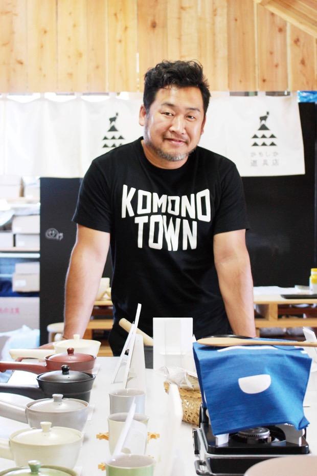 トークイベント〈工芸産地の未来〉に登壇する〈山口陶器〉の山口典宏さん。