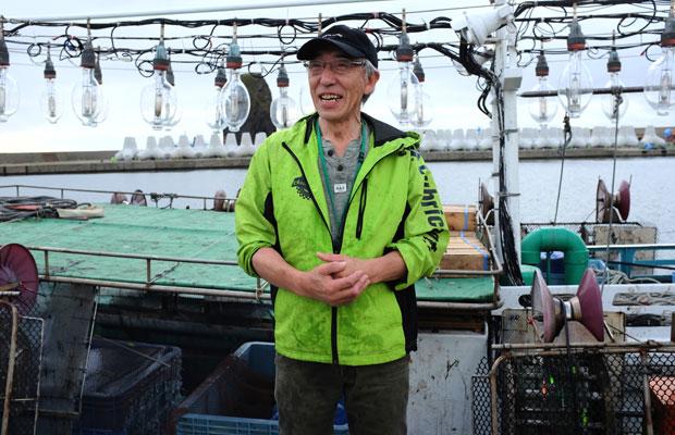 海フィールでは西田船長によるイカ釣り体験も行われた。子どもたちが大喜び。
