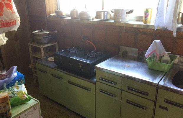 キッチンのビフォー。