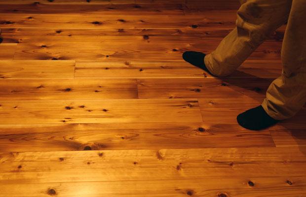 施主さんが自ら床板も張りました。