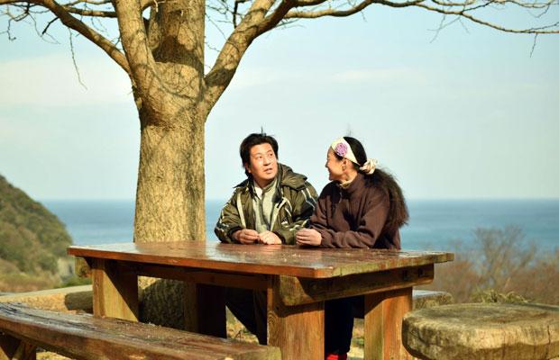 〈レストこのしろ〉オーナーの山本ユミさんと平井宏明さん。