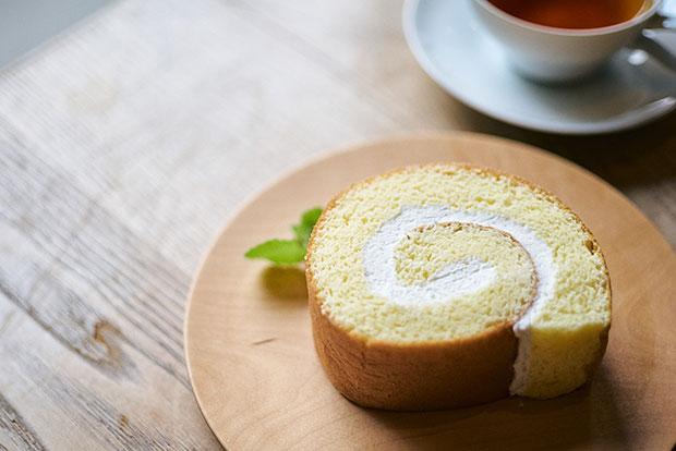 売り切れ御免のロールケーキはふわふわ食感。
