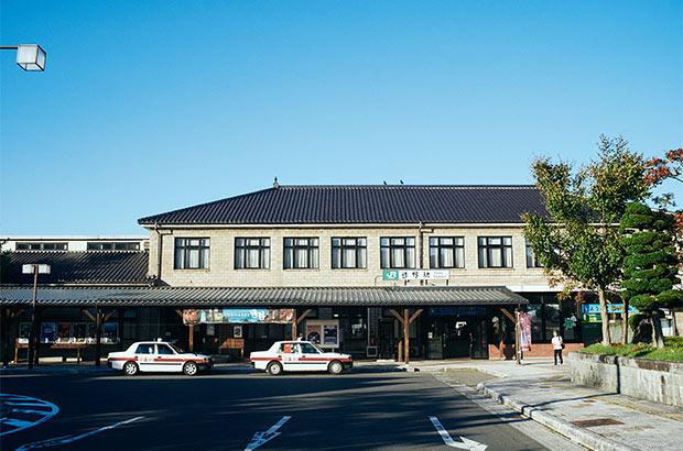 コンパクトで風情のある遠野駅。