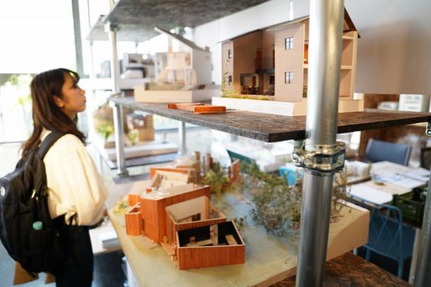 建築家のスタジオ(仕事場)で、 数々のワークショップやトークショーが行われます