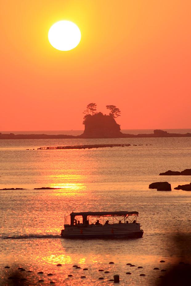 サンセットクルーズの美しさは、日本の西の端の海ならでは。