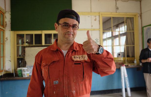スティーブンさんはイラン生まれ、アメリカ育ち。1986年に来日し東京で英会話の教室を開く。1997年に札幌に移住。2017年に美流渡へ転居した。