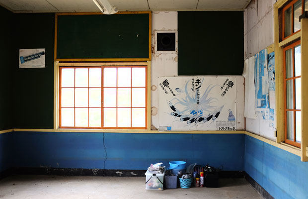 駅舎の内部。普段は鍵がかかっていて中に入ることはできなかった。