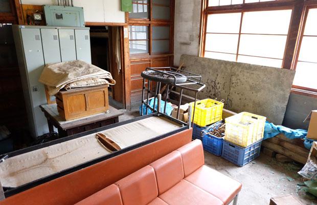 駅で使われた備品が保管されている場所もあった。(写真提供:岩見沢市観光協会)
