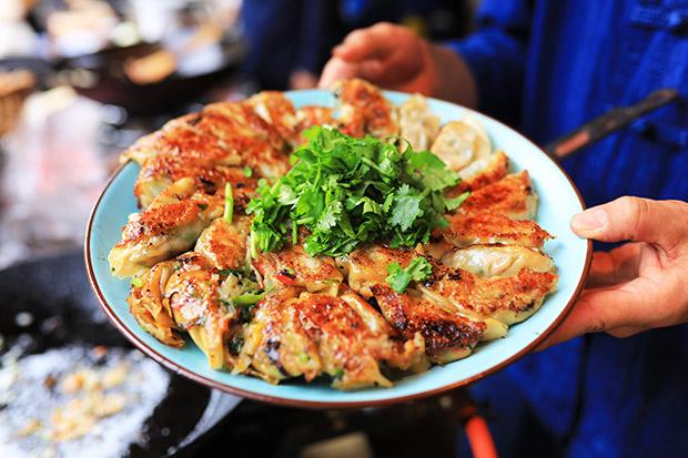 手づくりイノシシ肉の餃子