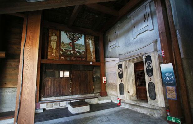 旧宮崎酒造の蔵の2階にカフェが。