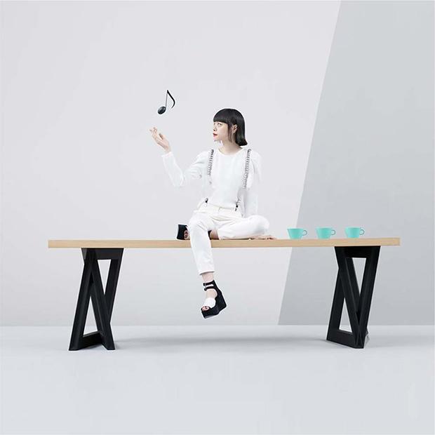 最初に商品化したスピーカー内蔵型テーブル〈SOUND TABLE〉。音楽好きの和田さんと町野さんらしいアイデア。(写真提供:カマルクジャパン)
