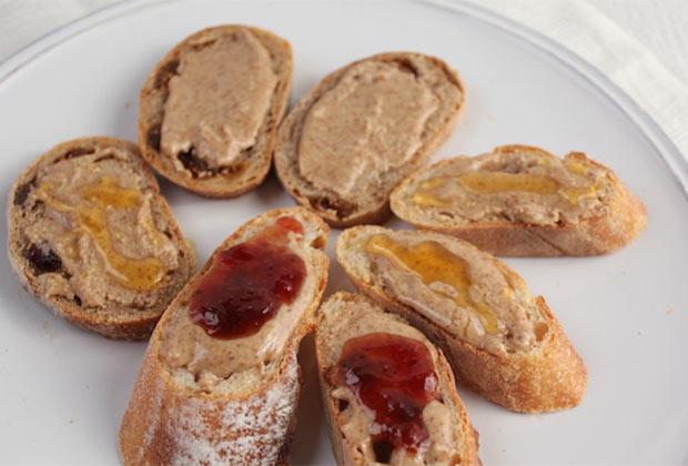 ジャムや蜂蜜を重ねても美味しい。ハード系、ふわふわ系、どんなパンにもOK。