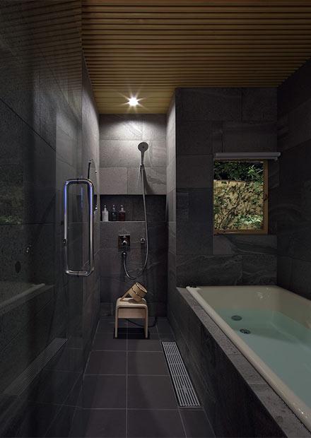 〈滔々 倉敷町家の宿〉の風呂場