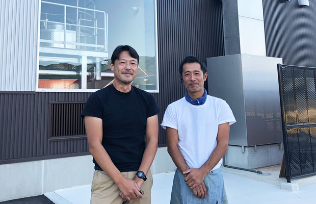 熊本ワイン株式会社・代表取締役社長の幸山賢一さんと長谷川仁さん