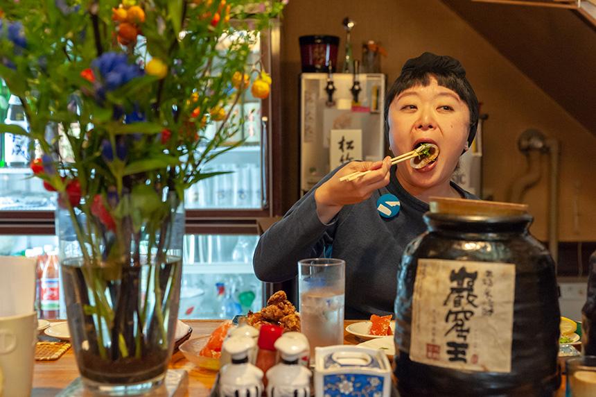 旭川〈せんや〉 おいしいもの好きが集まるカウンター席で、 北海道の恵みを楽しむ