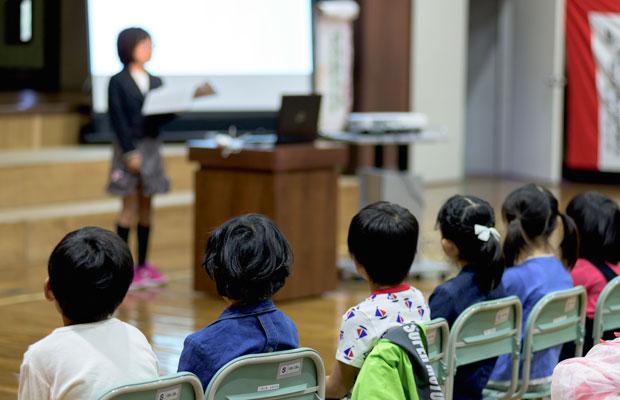 4年生の総合学習の発表。スライドも使い、まとめ方もとてもわかりやすかった。