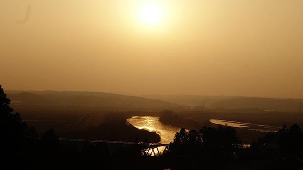 北上川の夕景