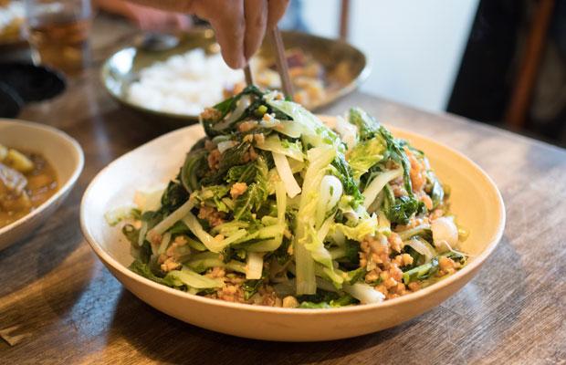 白菜となばなのサラダ。