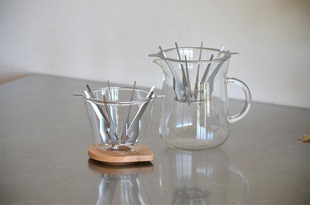 左が〈バートドリッパー〉。右が〈コーヒーカラフェセット〉。