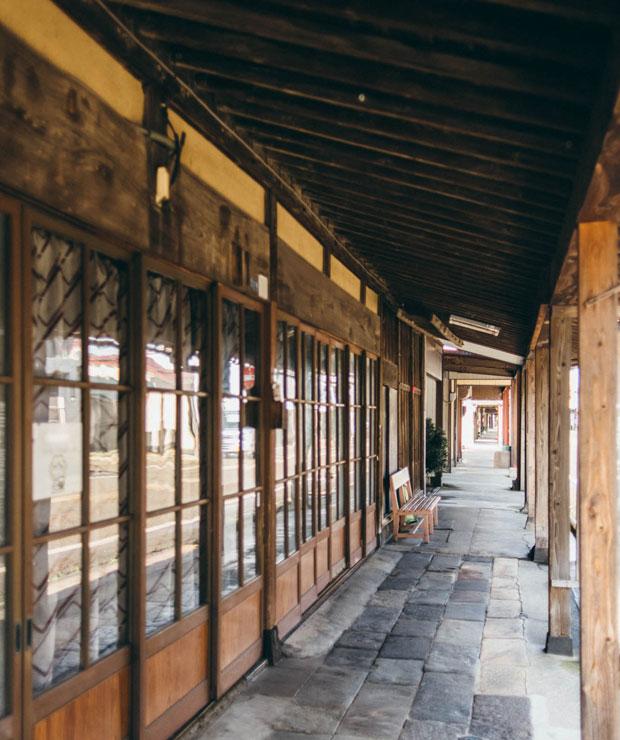 高田の雁木通りは全長16キロ! 日本最長の長さを誇ります。