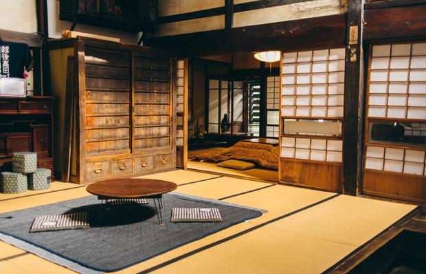 旧今井染物屋は内部の見学もできます(公開日以外の見学は事前申し込みが必要)。