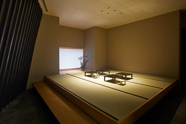長谷川栄雅直営オリジナルショップ内の和室