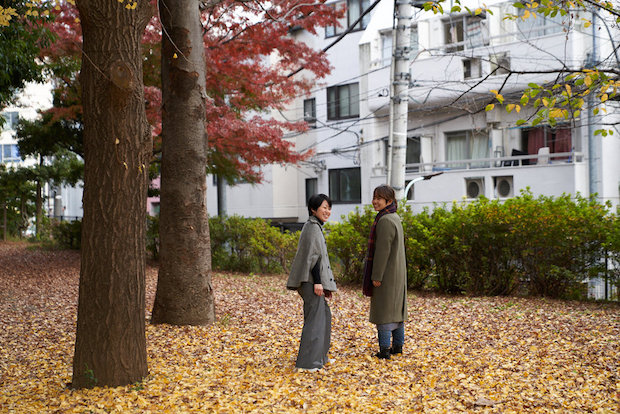 SIRI SIRIの福田知桂さん(左)と河野奈保子さん(右)。SIRI SIRI school〈ATRIUM〉を担当。