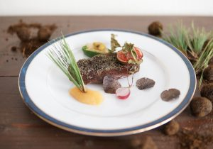 八ヶ岳の摘み草フレンチレストランで、国産の天然黒トリュフを使った仏料理 …