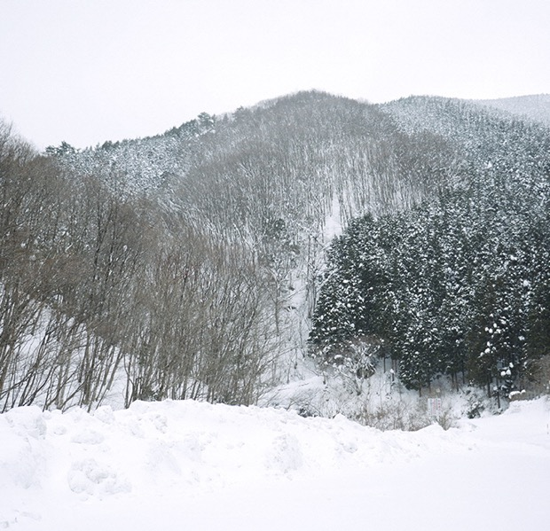 ほぼサバイバル!?雪景色の中の野外BBQを楽しむ〈雪中キャンプ体験~初級編~「田舎でホワイトBBQ!!」〉