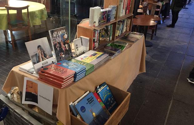 熊本市の上乃裏通りにある〈mychiairbooks〉も。