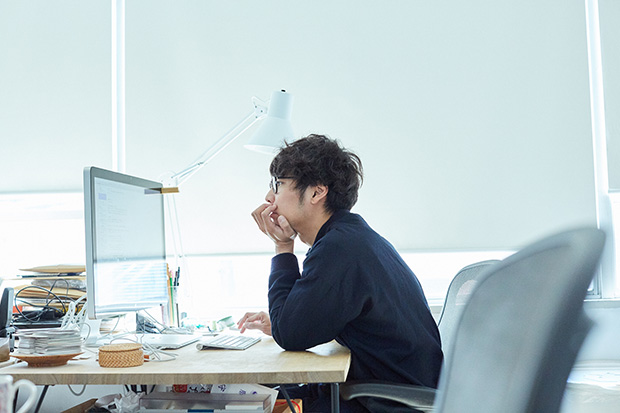 ナカムラケンタさんは求人サイト『日本仕事百貨』を企画運営するほか、いろいろな生き方・働き方に出会うことのできる場所〈リトルトーキョー〉や多分野で活躍している方をゲストに招くイベント〈しごとバー〉も監修している。