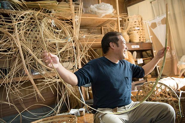 竹には節があるため、機械化が難しく、人の手を介さないと完成しない工芸品なのだそう。