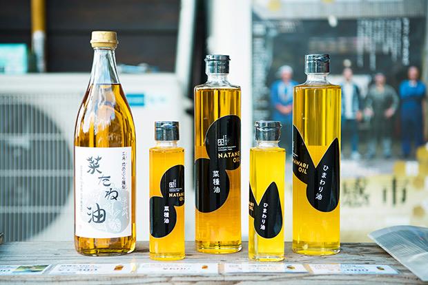 菜種油やひまわり油は工房内で購入可能。