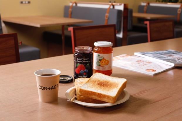 〈ブーランジェリーポーム〉の食パン