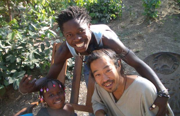 セネガルではふたりの先生から指導を受けた。写真はひとり目の先生で21歳と若かった。