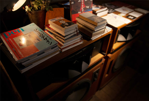 店内の雑誌や書籍