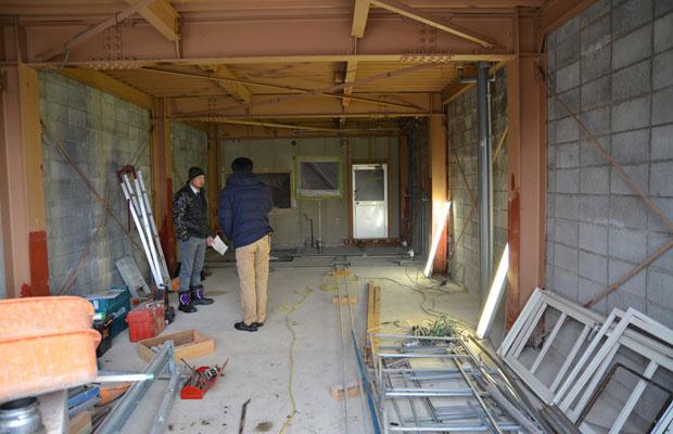 内装解体が終わって、現場を見ながら何度も打ち合わせ。