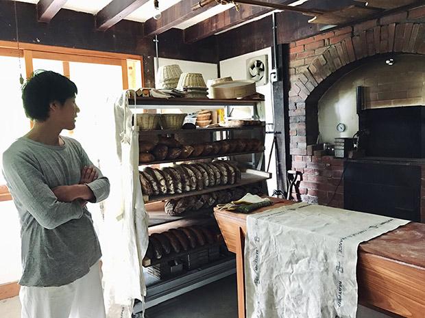 古民家の中につくった薪窯。