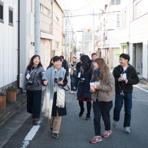 オリンパスさんが貸し出してくださったカメラを持って岡崎のまちを歩きます。