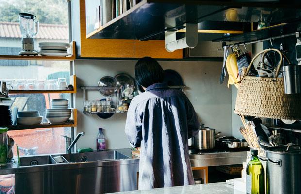 美雪さんは、主にランチの料理やブラウニーなどの焼き菓子などを担当している。