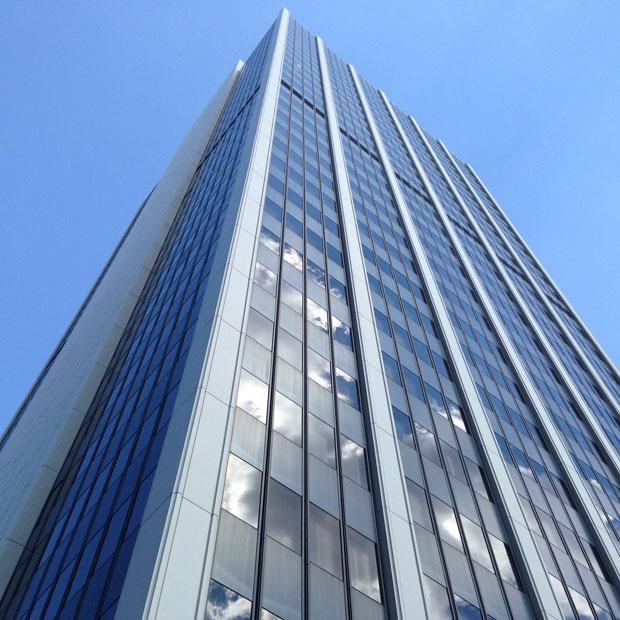 岩見沢にはこんなに高い建物はないので、最近、上京するとついビルを見上げてしまうようになった。