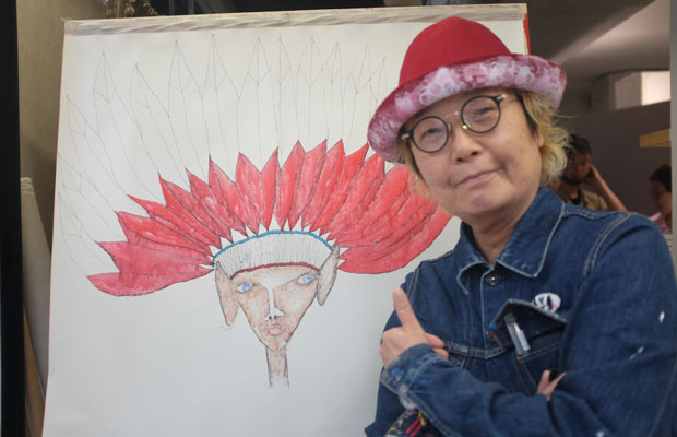 MAYA MAXXさんは、いま原宿の〈boy tokyo〉というヘアサロンの一角で制作を行っている。