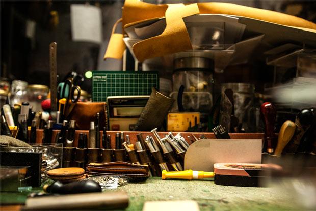 革製品をつくるための工具類